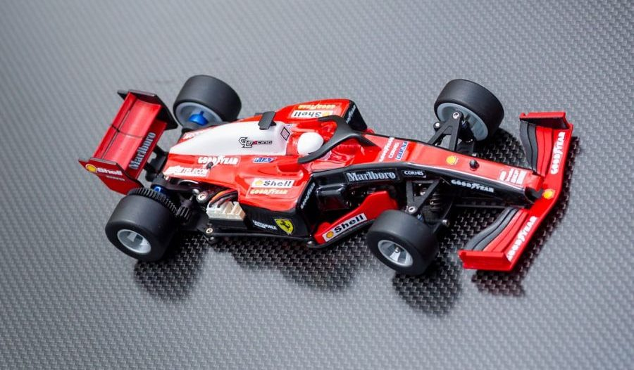 La GLF-1 de GL Racing avec sa carrosserie et les ailerons